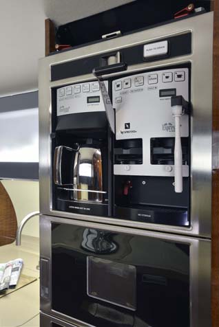 Espresso machine and microwave - G650
