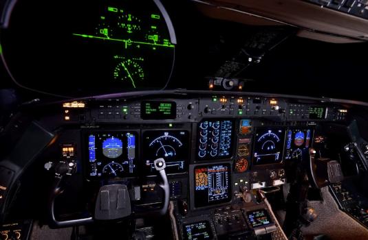 Gulfstream GIV-SP sn 1301 cockpit - flight deck