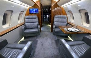 Bombardier Challenger 605 SN 5908 four-place club-best